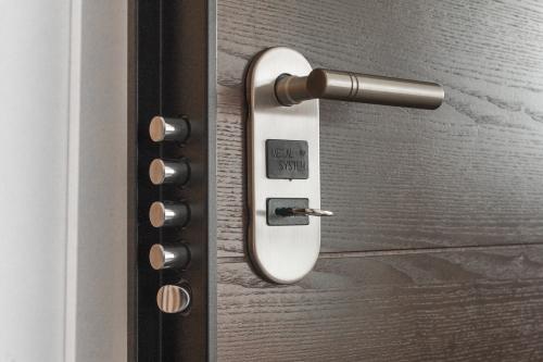 door-handle-key-279810